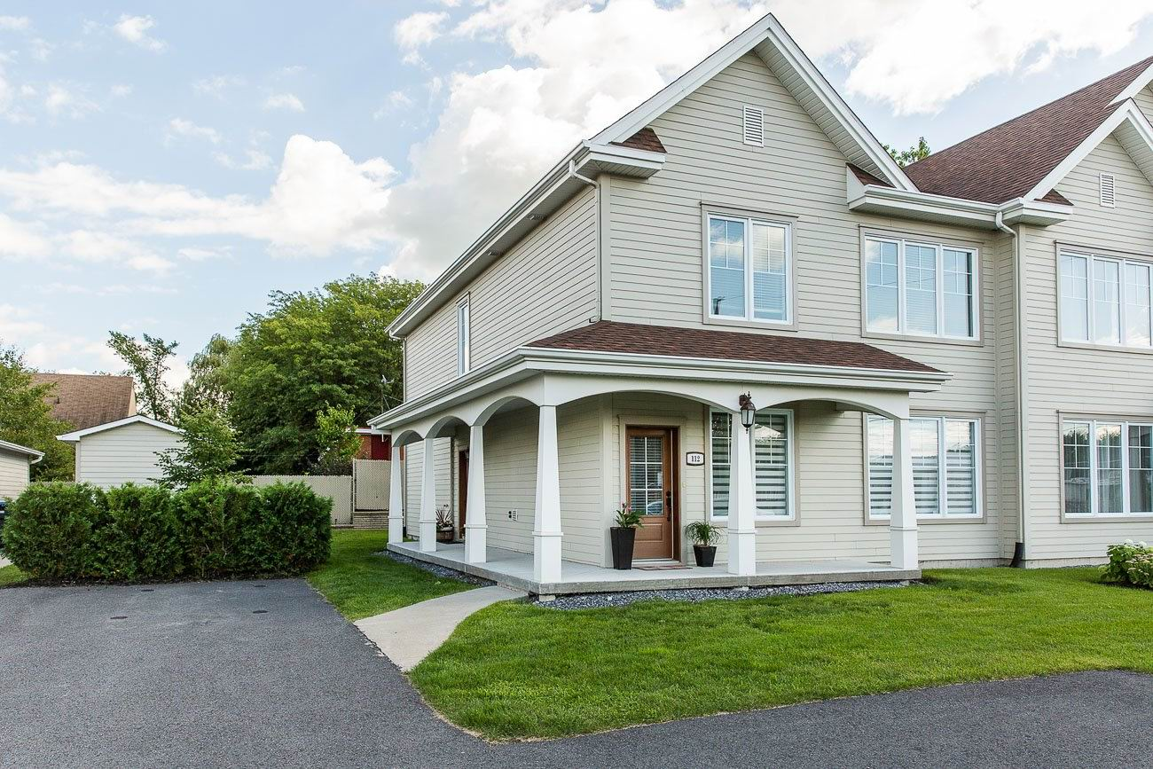 magnifique condo 2012 cl en main 2 chambres montreal centre ville montr al. Black Bedroom Furniture Sets. Home Design Ideas