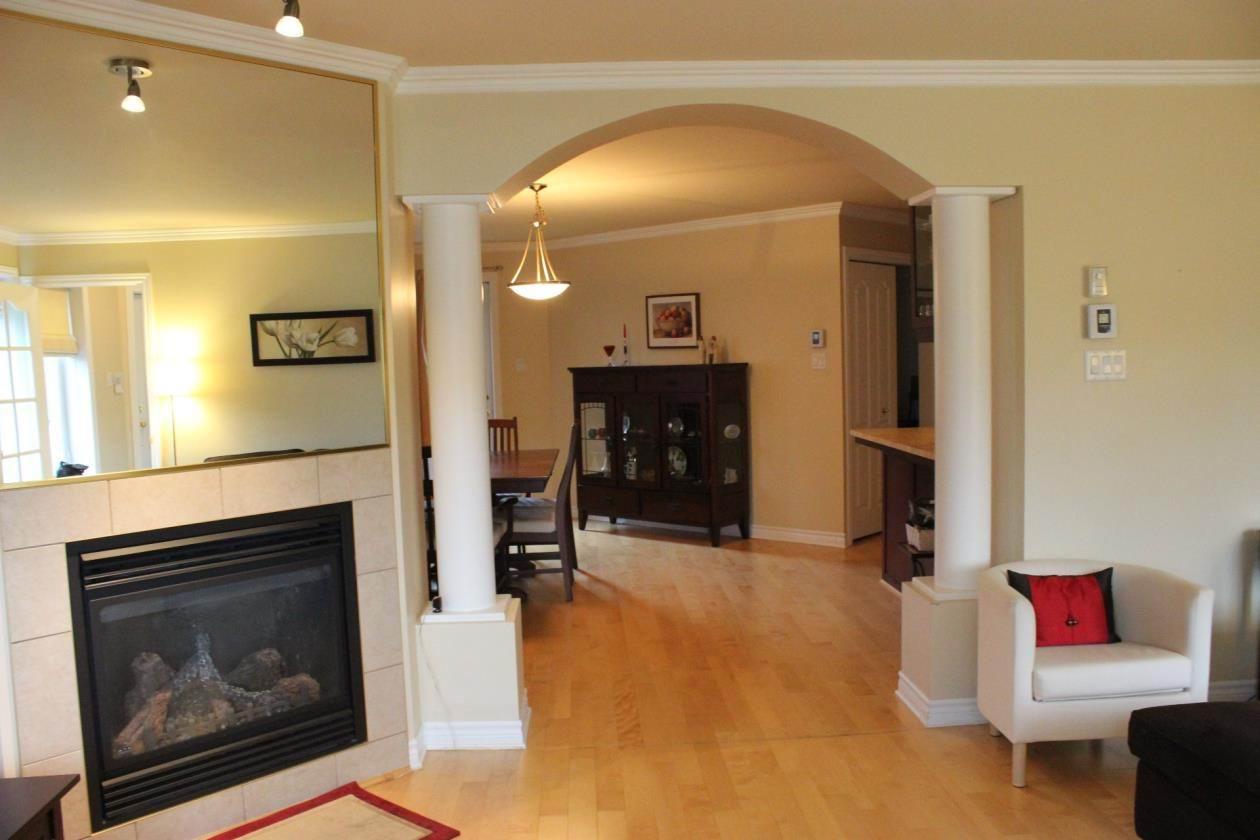 condo haut de gamme insonorisation sup rieure kirkland. Black Bedroom Furniture Sets. Home Design Ideas