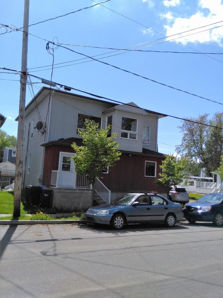 Duplex avec les 2 logements libres l 39 acheteur for Acheteur de maison cash