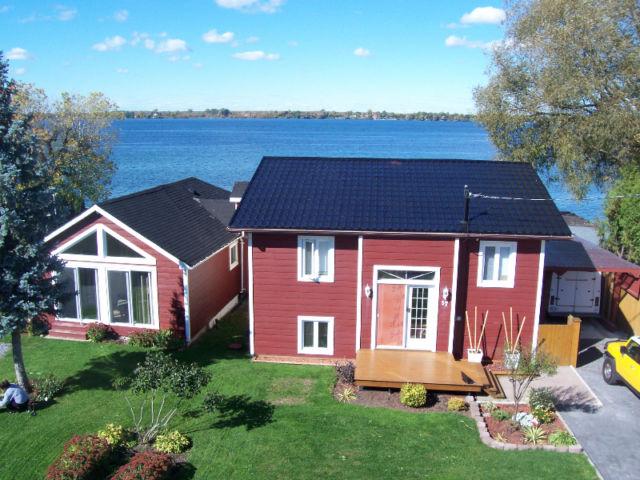 maison a vendre au bord de l 39 eau salaberry de valleyfield mont r gie. Black Bedroom Furniture Sets. Home Design Ideas