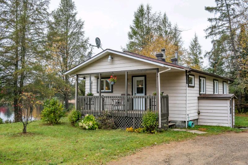 maison #1531196460