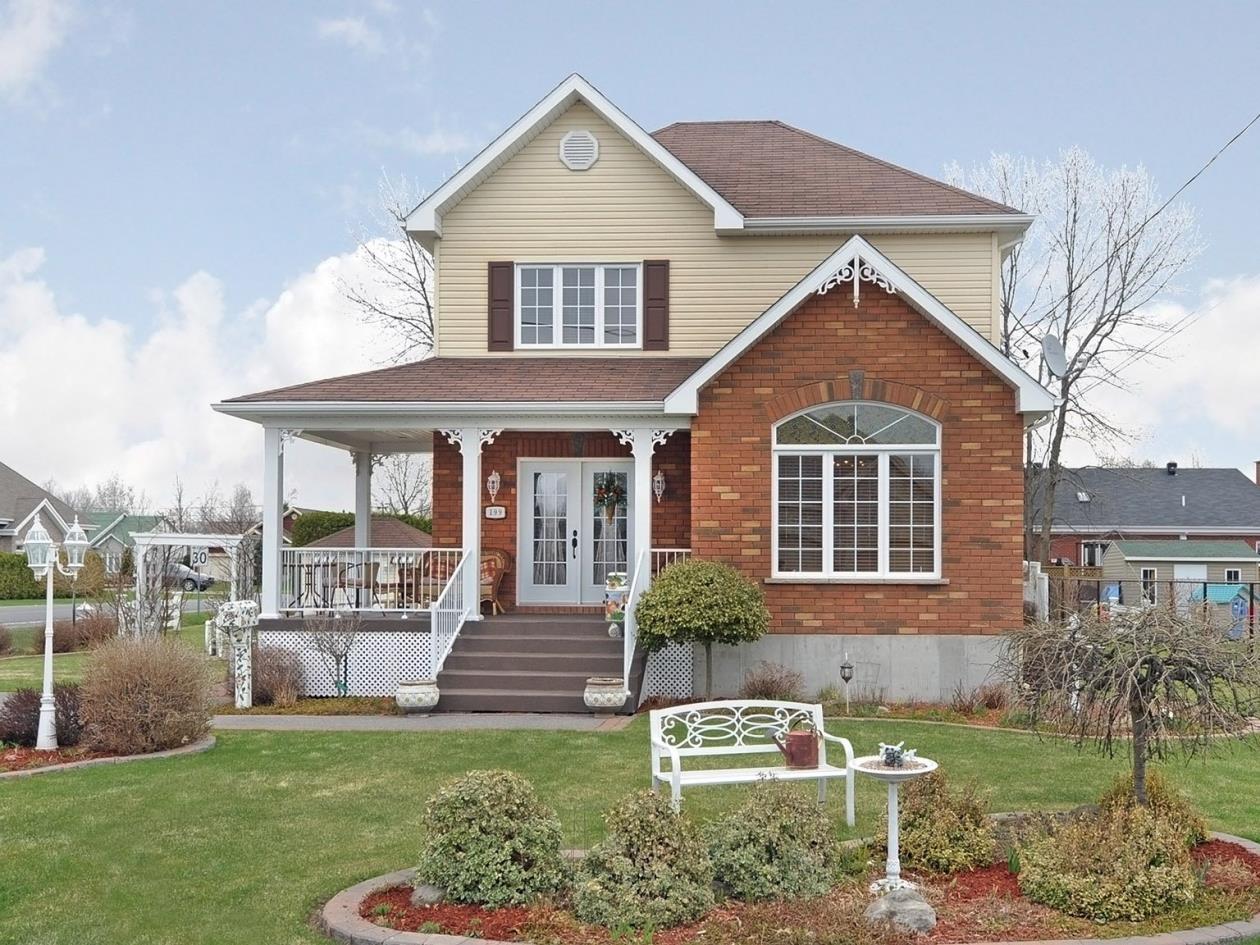 maison #1541431308